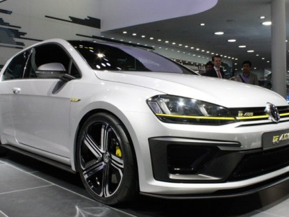 VW Golf R 400 reportedly green-lit (again)